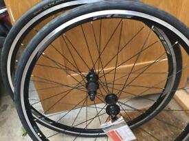 Shimano RS10 Wheelset + Conti UltraSport Tyres - new!