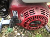 Honda generator 110/240 volts very good condition hardly used no longer need