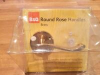 Round Rose Brass Handles B&Q new in packaging x 5