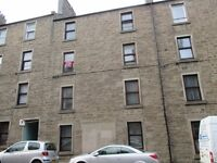 Large 2 bed flat on Blackness Road