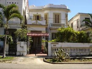 Bed and Breakfast CASA BLANCA near  the shore in HAVANA, CUBA
