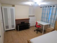 Large Double rooms available in a newly refurbished house less than 10 mins walk to Reading Station