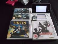 nintendo white 3Ds with 4 games
