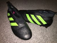 Adidas pure control, lace less football boots size 9
