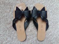 Summer Flip Flops with Bow Tie