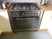 Indesit LPG range cooker