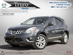 2013 Nissan Rogue SV! AWD! NEW TIRES! NEW BRAKES! PANO ROOF! SV!