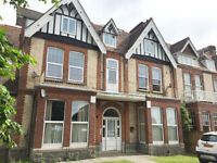 SPECIAL OFFER - REDUCED AGENCY FEES IF YOU MOVE IN JUNE! - Queens Gate