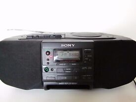 SONY CFD-S33 CD Player Cassette Stereo AM/FM Mega Bass Boombox