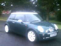 **IMMACULATE 2004 MINI COOPER **SERVICE HISTORY**MOTD JULY 2017**RACING GREEN**FORD,RENAULT,VAUXHALL