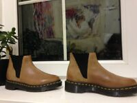 Brand New Dr Martens Bianca Chelsea Boots in Brown Size 3