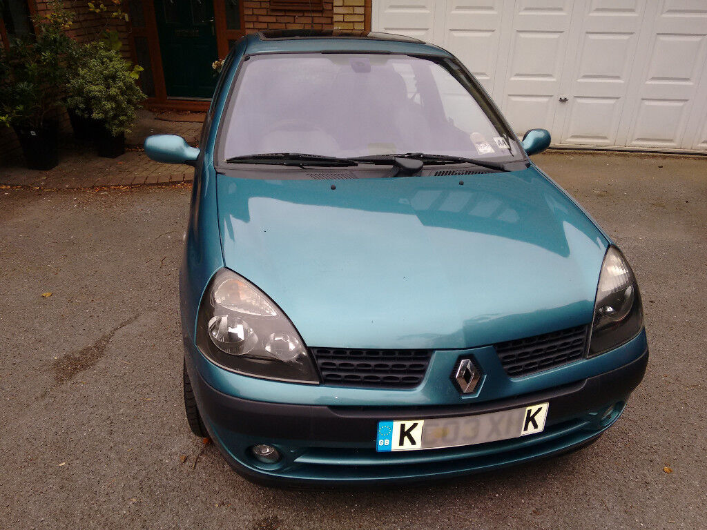 Renault Clio 2003 with Alloys. Just MOT'd and serviced new front pads and disks