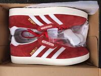 ADIDAS TRAINERS UK 9 GAZELLE SUPER BRAND NEW IN BOX RED AND WHITE CW BARGAIN POSTAGE AVAILABLE