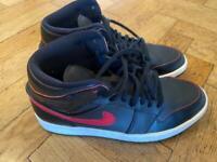 Nike black and red Air Jordans Uk 6.5