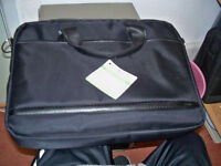 15 LAPTOP BAGS IN PERFECT CLEAN CONDITIN (WITH SHOULDER STRAPS )