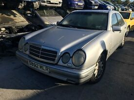 1998 MERCEDES E-CLASS E200 ELEGANCE (AUTOMATIC PETROL) FOR PARTS ONLY