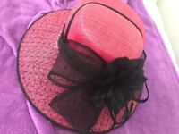 Never worn!! Beautiful formal hat, ideal for weddings or the races!