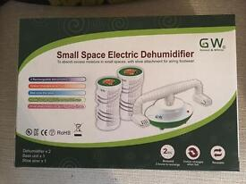 *BRAND NEW* SMALL SPACE ELECTRIC DEHUMIDIFIER