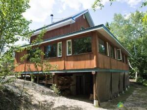 389 000$ - Maison 2 étages à vendre à Lac-St-Paul