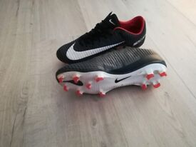 Nike vapour mercurial size 6. Excellent Condition hardly used £55