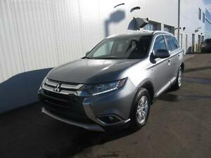 2016 Mitsubishi Outlander AWD/7 Pass/HandsfreePhone/HtdSeats