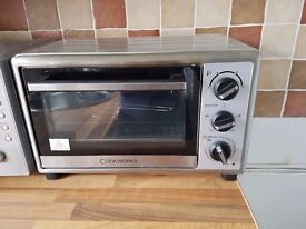 Electric mini oven - ideal for caravan & still under warranty