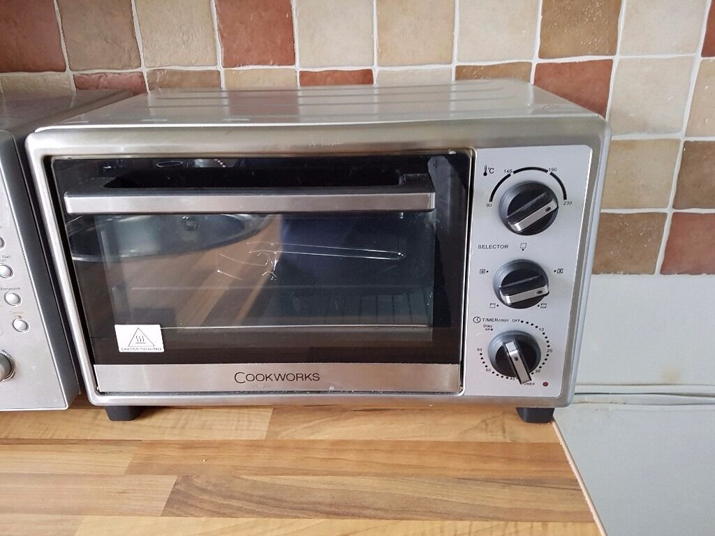 Electric Mini Oven Ideal For Caravan Still Under Warranty