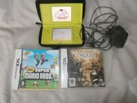 LIME GREEN LTD EDITION NINTENDO DS LITE. IN MINT CONDITION. WITH SUPER MARIO GAMES
