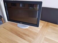 Dell SX2210Tb 21.5 in Widescreen LCD Monitor (Touchscreen) + Built in Webcam