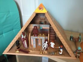 Playmobil Egyptian pyramid and spynx