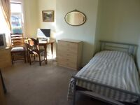 A bright and very spacious single room to rent in Edmonton rent £400.00 per month including bills