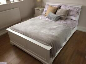 Shabby Chic White Wood 'House of Heart Sleigh Lambourne' Double Bed Frame