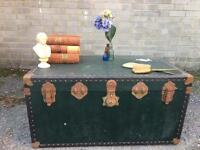 LARGE VINTAGE RETRO TRUNK FREE DELIVERY STORAGE BOX FREE DELIVERY COFFEE TABLE