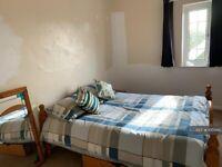 1 bedroom in Cowley Road, Oxford, OX4 (#1004412)
