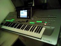 Yamaha Tyros 3 Arranger Workstation Keyboard