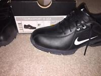 Brand new Nike golf shoes - size 7.5