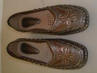 Trueform ladies shoes