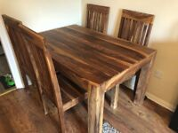 Table +4 chairs natural wood