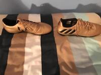 Lionel messi football boots size 9 gold