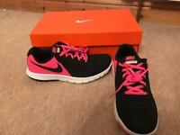 Nike Flex Experience Trainers size UK 5.5 never worn