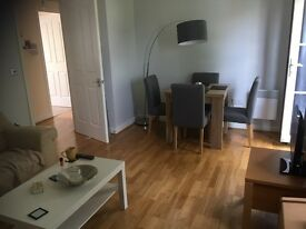 Double bedroom to rent in lovely flat share