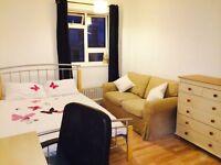 Double bedroom in Pimlico