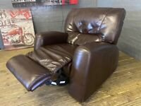 REAL SOFA LEATHER RECLINER SOFA ARM CHIAR IN VERY EXCELLENT CONDIITION