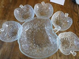 Leaf shape large fruit bowl with 5 smaller dishes