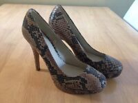 Snake skin platform high heels size 5