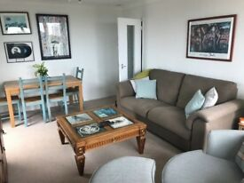 Spacious 2-bed Flat Share with Sea View & Housemates Barely There!