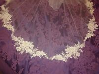BNWT Richard Designs Applique Two Tier Lace Veil in Ivory 72""