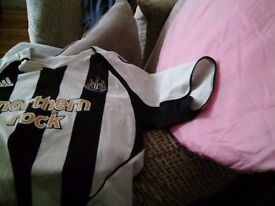 Newcastle football top