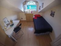 Spacious SINGLE room in LEWISHAM, REAL PICS!