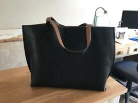 Reversible tote handbag and tan purse